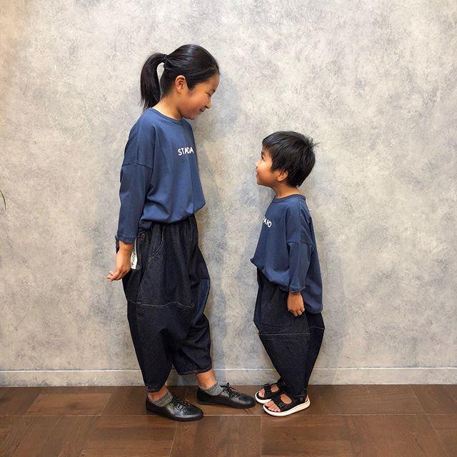 """..tops...#nunuformebottoms...#nunuforme..今日はたくさん!!可愛いお客さまにモデルをして頂きました♡人気の#ポインテッドパンツ""""STANDARD""""Tシャツ!気に入ってくれて、そのまま着て帰ってくれました︎仲良しかわいいです♡♡また会いたいなぁ〜︎.#子供服#親子コーデ#兄弟コーデ#お揃いコーデ..営業時間 10:00〜19:00.#愛媛#松山#大街道#ehime#matsuyama#BlessofBless#セレクトショップ#今日のコーディネート#お洒落さんと繋がりたい#19fw#19aw - from Instagram"""