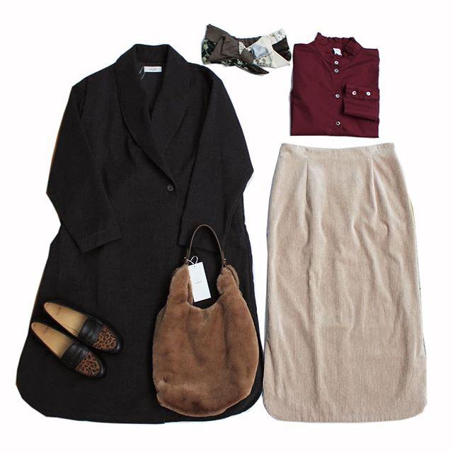 【Bless ONLINE STORE】ロング丈のコートにタイトシルエットのスカート。縦のラインを作ってスタイル良く!フリルのブラウスはジャケットやニットのインナーに活躍します。coat…#douxblue shirt…#DIARIESskirt…#yangany hair band…#CA4LA bag…#LUEUF shoes…#volare#今日のコーディネート #おしゃれさんと繋がりたい #セレクトショップ #愛媛 #松山 #松山市大街道 #BlessofBless - from Instagram