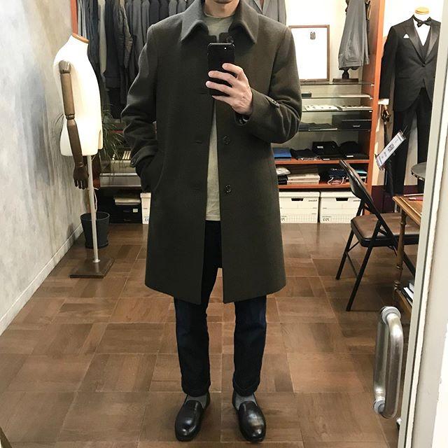 .【TAILOR #mensbless 】今年からオーダーコート始めました!・お探しのイメージのコートを探すのはなかなか大変ですよねしかもサイズもバッチリとなるとさらに厳しい・コート探し難民の方、お待ちしております!・無地のフランネルを掲載しましたが、柄物もご用意しております。・年内の仕上がり期限が終わってしまったので、年明け1月中旬〜下旬の仕上がりとなりますm(_ _)m・そんなわけで、少しオーダー価格もサービスします!!まずは、店頭でご相談下さい。通常価格7万〜・・#オーダースーツ #オーダーシャツ #スーツ #オーダーコート・セレクトショップブレス愛媛県松山市大街道2-1-12-2F089-932-6464 (メンズ直通)#松山 #大街道 #大街道商店街#ehime #matsuyama #okaido - from Instagram
