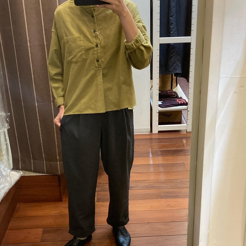 ・・tops…#dmg→¥12,500-tax(起毛)→¥11,500-tax(コットン)pants…#gramicci→¥11,800-tax秋冬素材のパンツとシャツです。4枚目画像は8月に入荷して完売していたコットン100%のシャツになります。形は着用しているシャツと同じです️・・#愛媛#松山#大街道#ehime#matsuyama#BlessofBless#セレクトショップ#今日のコーディネート#お洒落さんと繋がりたい#2020#20aw#グラミチ#ドミンゴ#テーパードパンツ - from Instagram