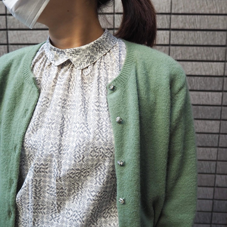 .shirt...#parks.knit...#jsloane.skirt...#chezvoeu.shoes...#blundstone...staff...158㎝....気になる商品がございましたらDMやコメントなどお気軽にお願いします!️.#愛媛#松山#大街道#ehime#matsuyama#BlessofBless#セレクトショップ#今日のコーディネート#お洒落さんと繋がりたい#ニット#カーディガン#リバティ#柄シャツ#スカート#ブランドストーン - from Instagram