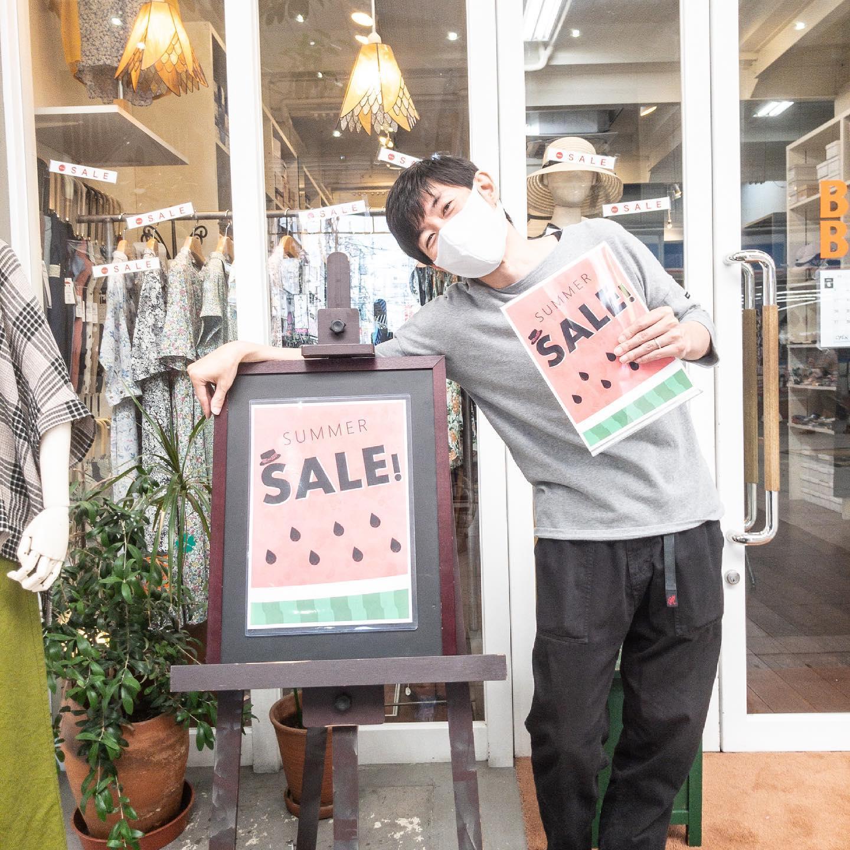 ・・【summer sale!!!!!!】セール始まりました!一部を除きセール価格となっております!まだまだ沢山の可愛いアイテム達と元気な社長と他スタッフがお待ちしております!2点以上(税込¥11,000以上)のお買い上げでセール対象外アイテムも10%offとなります!画像は「色々やらされた社長」です笑・・#愛媛#松山#大街道#ehime#matsuyama#セレクトショップ#お洒落さんと繋がりたい#2021ss#21ss#fudge#fudge部#cluel#セール #お買い得 #クリアランス - from Instagram